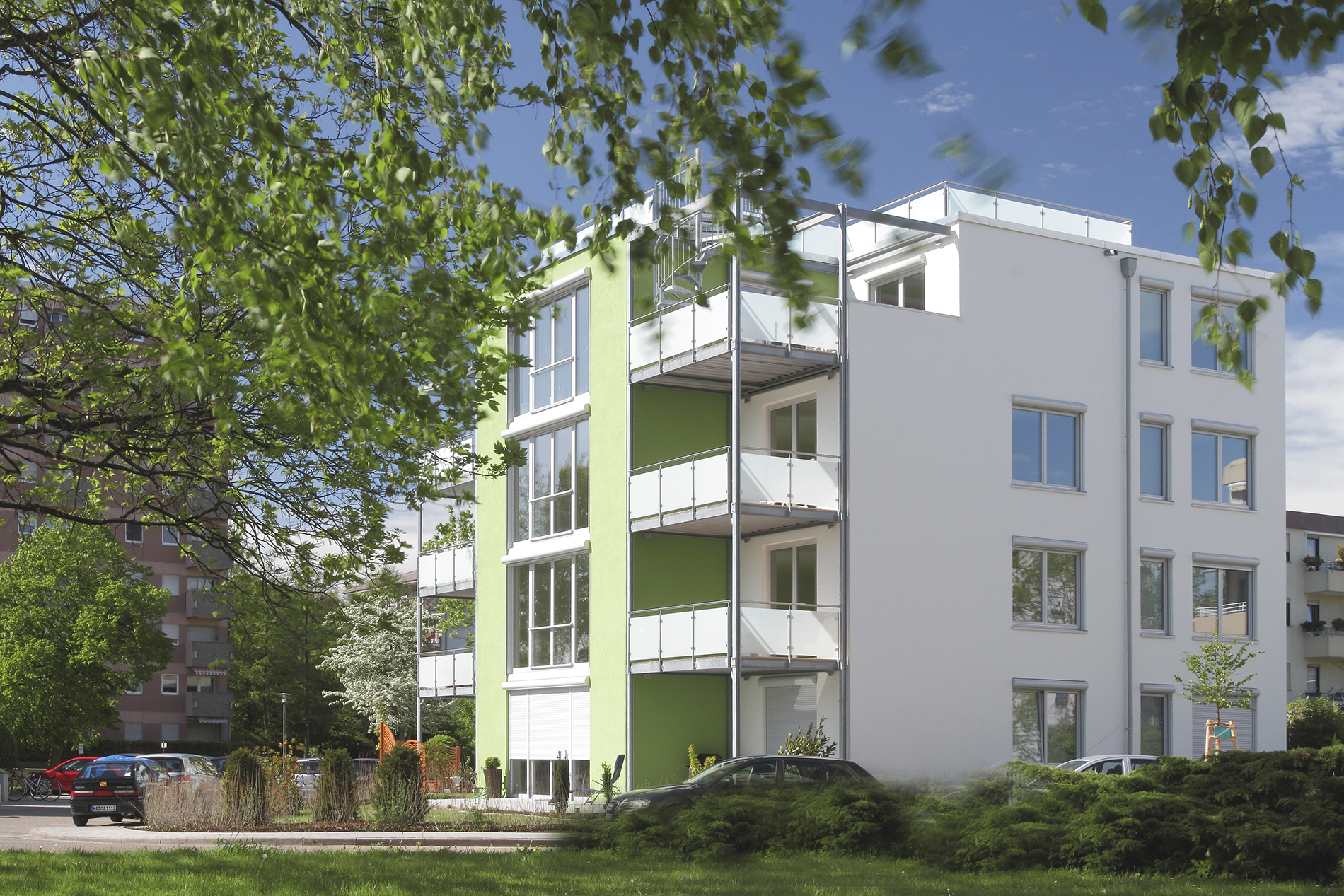 Mehrfamilienhaus Seitenansicht